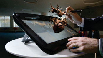 Image: Manipulating the 3DS living heart simulator (Photo courtesy of Dassault Systèmes).
